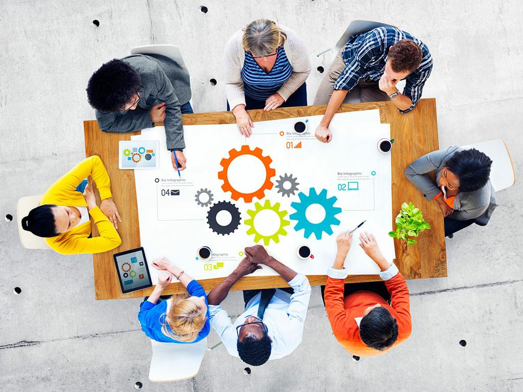 Teammeeting am Tisch